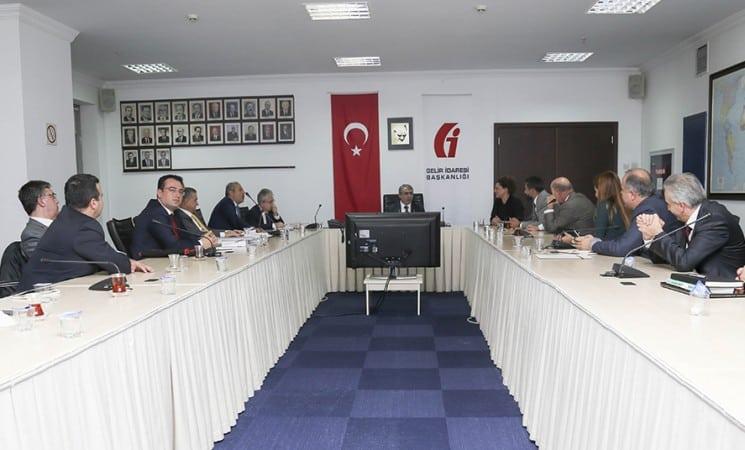 TGDF, Gelir İdaresi Başkanı Adnan Ertürk'ü ziyaret etti